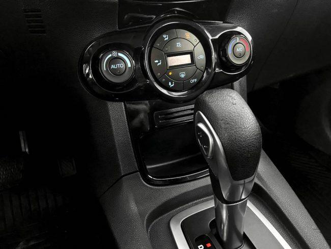 Ford New Fiesta Hatch 1.6 TITANIUM POWERSHIFT 2016