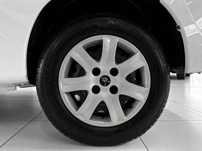Peugeot 207  HB XR 2012